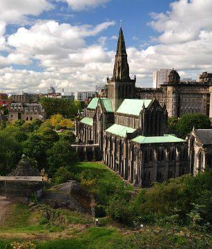 Vuelo barato ida vuelta Madrid Glasgow