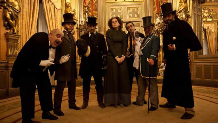 Actores de la visita teatralizada al Palacio de Linares de Madrid
