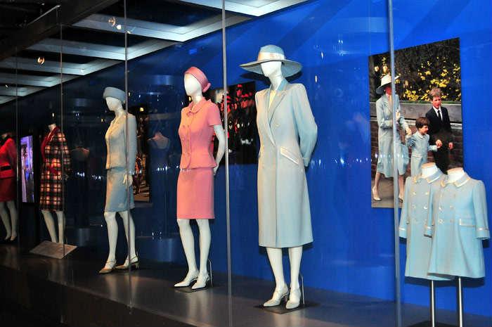 Exposición sobre la moda de Diana de Gales en el Palacio de Kengsinton