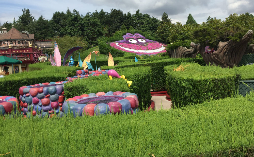 Alices Curious Labyrinth El Curioso Laberinto de Alicia disneyland paris